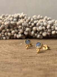 LABRADORIET 3-DOTS GOLD VERMEIL OORSTEKERS