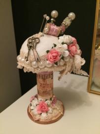 Houten Klos roze speldenkussen