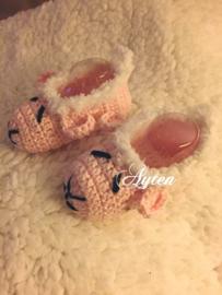 Roze baby slofjes schaapje