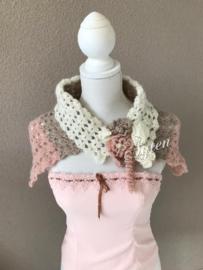 Sjaal met bloemen. Roze