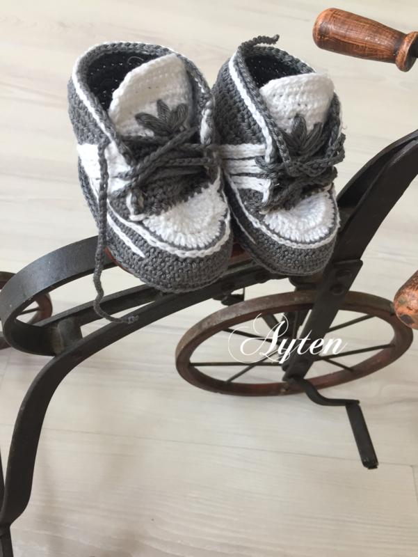 Adidas schoentjes grijs