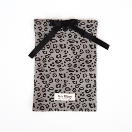 74 x 43 cm - Linen Fitted Sheet to fit our Moses Basket Mattress - Grey Leopard