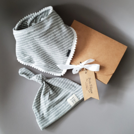 Pom Pom Bib & Knot Hat - gift set - Grey