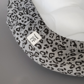 74 x 43 cm - Linnen Wieghoeslaken (maat van onze Moses Basket Matrasjes)  - Grey Leopard