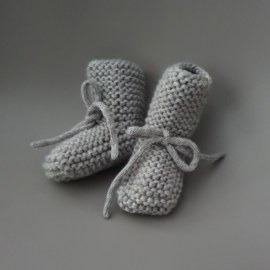 Baby - Knitted Booties - Grey