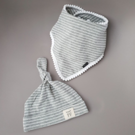 Pom Pom Bib & Knot Hat set - Grey