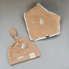 Pom Pom Bib & Knot Hat set - Dandelion