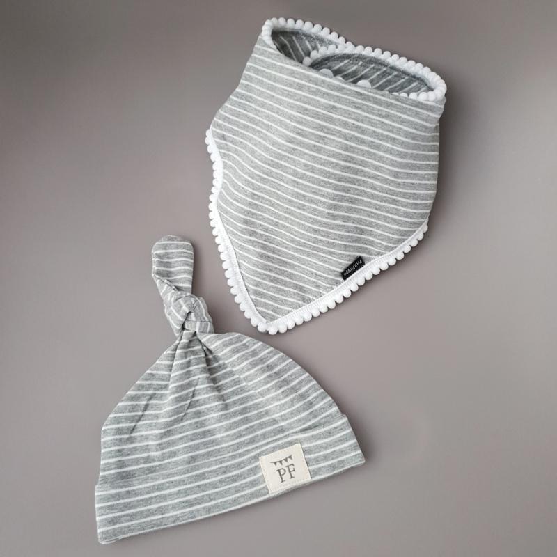 Pom Pom Bib & Knot Hat set - Grey