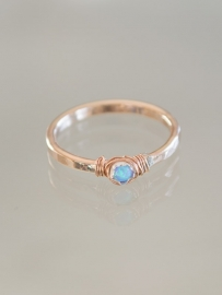 Ring petit | Blauwe Opaal | 14k gold-filled