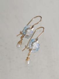 Oorbellen Flower Lichtblauwe jade en maansteen