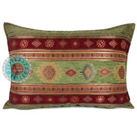 Olijf groen en rood kussen - Aztec ± 50x70cm