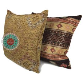 Aztec oker en bruin kussen ± 50x70cm
