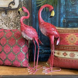 Set van twee metalen hard roze Flamingo's 57cm hoog 23cm breed