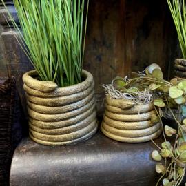 """Set van twee bloempotten """"snake"""" in de kleur goud"""