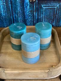 Set van drie kaarsen in de kleuren licht turquoise, turquoise en petrol 10cm hoog x 7cm dik