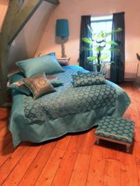 Turquoise bedsprei honingraat met goud patroon 250x250cm