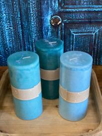 Set van drie kaarsen in de kleuren licht turquoise, turquoise en petrol 15cm hoog x 7cm dik