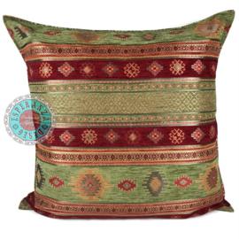 Olijf groen en rood kussen - Aztec ± 70x70cm
