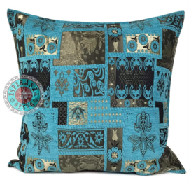 Turquoise kussen - Patchwork flowers  ± 70x70cm