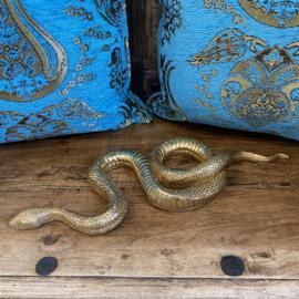 Goudkleurige slang 43cm lang en 15cm breed