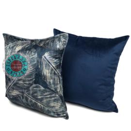 Blauw kussen met mooie veren/bladeren print ± 45x45cm