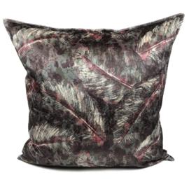 Cerise roze met antraciet kussen met mooie veren/bladeren print ± 70x70cm