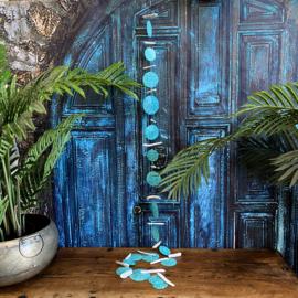 Turquoise Capiz schelpen hanger met mandala motief 180cm lang!