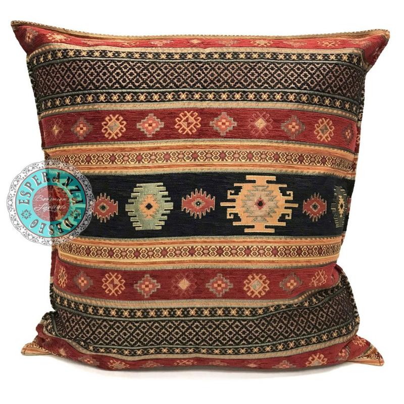 Zwart en rood kussen - Aztec ± 70x70cm