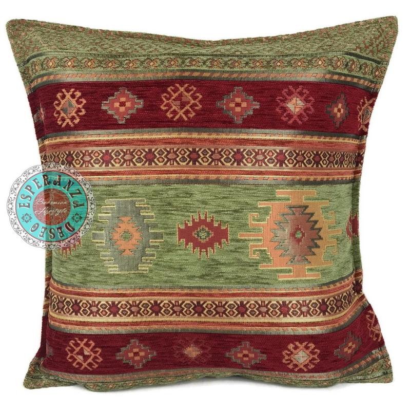 Aztec olijf groen en rood kussen ± 45x45cm