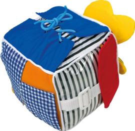 Baby ontdek kubus