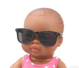 Zonnebril voor de pop