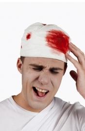 Hoofd verband met bloed