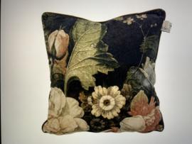 Cushion Camelia