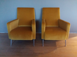 Moderne fauteuil in velour