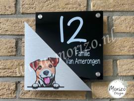 Stel uw eigen naambordje met hond samen aparte driehoek