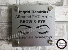 bedrijfsnaambordje met logo PMU artist