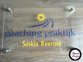bedrijfsnaambordje met logo coaching praktijk