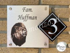 Naambordje leeuw met huisnummer