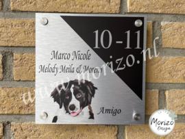 Naambordje met een vector van eigen hond