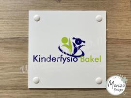 bedrijfsnaambordje Kinderfysio Bakel