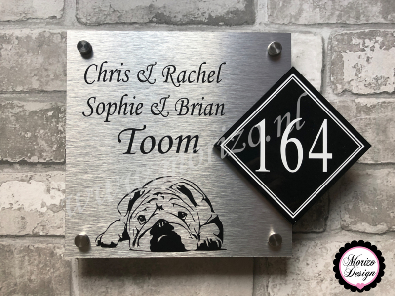 Verrassend Naambordje maken bij de voordeur met hond en huisnummer JK-43