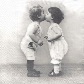 Kissing Babies, servet