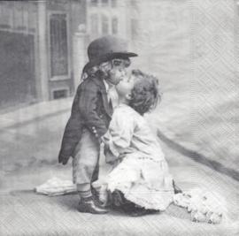 Kiss, servet