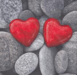 Love Stone, servet