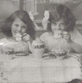 Tea Party, servet
