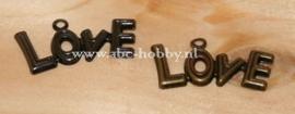 Love, Embellishments