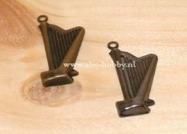 Harp, Embellishments