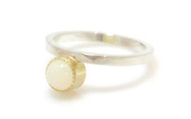 Zilveren&Gouden ring met Melkopaal