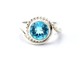 Zilveren ring met een Sky Blue Topaas