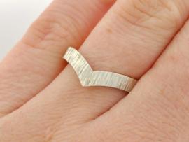 Stripes V-ring